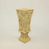 Vase asiatique en résine façon ivoire
