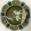 deux anciennes assiettes en barbotine -jeanne d'arc