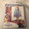 Déguisement (robe et cape) Elsa Frozen 2, taille Large  7-8 ans (128 cm)
