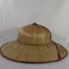 Chapeau avec lanière