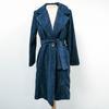 Manteau bleu en velours côtelé