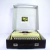 Machine à écrire portative Mercedes