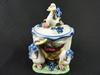 Pot en porcelaine décoratif