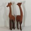 Sculptures de girafes en bois