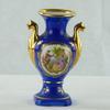 Petit vase en porcelaine de Limoges