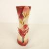 Vase décoré de jolies fleurs