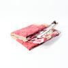 Nappe de table rouge avec motif fleur