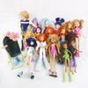 Lot de 15 poupées Winx et accessoires