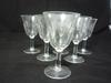 Six verres vintage à pieds ciselés motif fleur