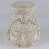 Vase en albâtre représentant bouddha