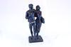 Statuette homme et femme sur socle en pierre
