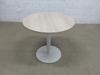 Table de réunion petite 4 places Steelcase en mélamine - métallique  80x80x71cm - Ecru et Blanc