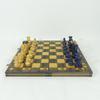 Jeu d'échecs en bois avec plateau décor celtique