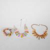 Lot de bijoux colliers et bracelet