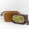 Ancien transistor radio Radiola modèle Radiolo vintage avec son sac de transport