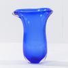 Petit vase en verre bleu transparent