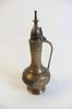 Pichet à eau ou huile en métal doré gravé et peint à la main