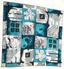 Foulard en soie avec mosaïque de motifs graphiques