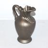 Vase / pichet en grès peint.