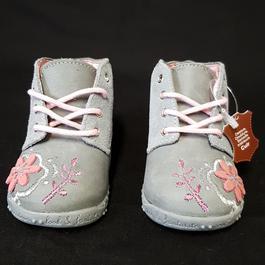 4900ed8fb52f1 ... Neuf   étiquette Chaussure Pat   Ripaton cuir bébé fille P 18 ...