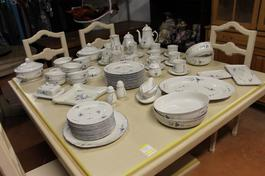 Service de table en porcelaine Villeroy et Boch - Photo 1