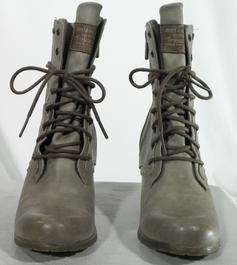 7c4829f5978edd Chaussures, Bottes Femme de marque pas cher et vintage - Label Emmaüs