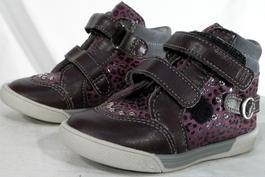 e4b6c93947 Chaussures, Sacs et Accessoires Enfant de marque pas cher et mode ...