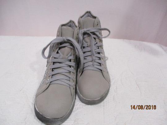 Baskets montantes taille 40 - Photo 1