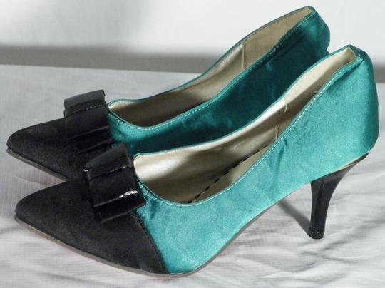 Escarpin Noir Vert P.40 sur Label Emmaüs, boutique en ligne solidaire 320ee5487149