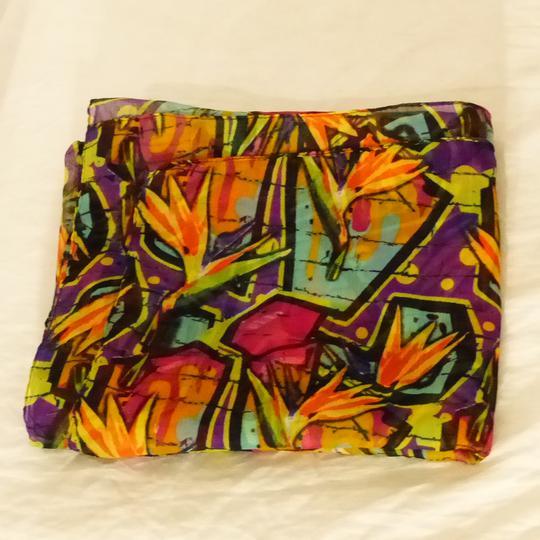 Écharpe multicolore sur Label Emmaüs, boutique en ligne solidaire 812ae636ae9