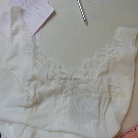 1 Fond De Robe Taille 56 Label Emmaus