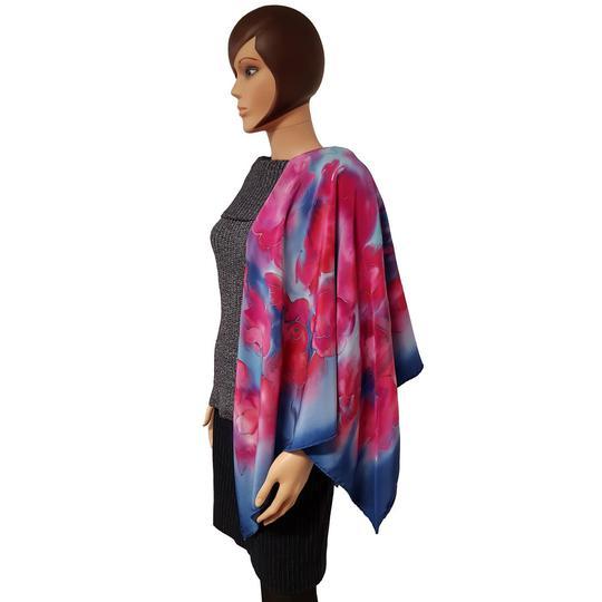 0f343525a09 Grand foulard Clo Création vintage carré de soie motif floral peint à la  main - Photo ...