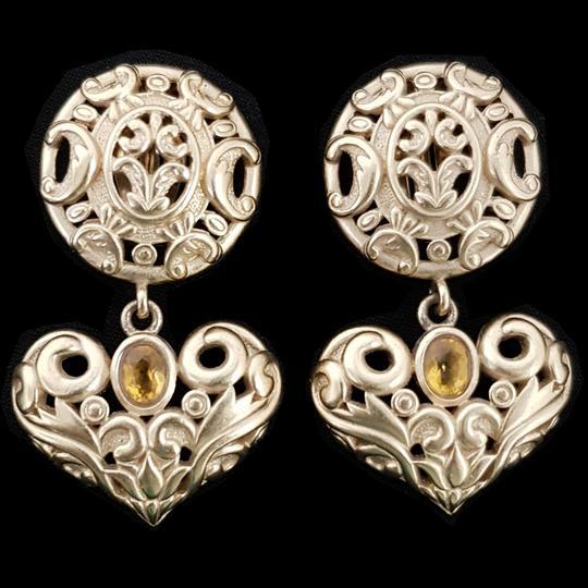 meilleurs tissus pas cher vente en magasin Boucles d'oreille cœurs Clips Bijou vintage griffé Nina Ricci