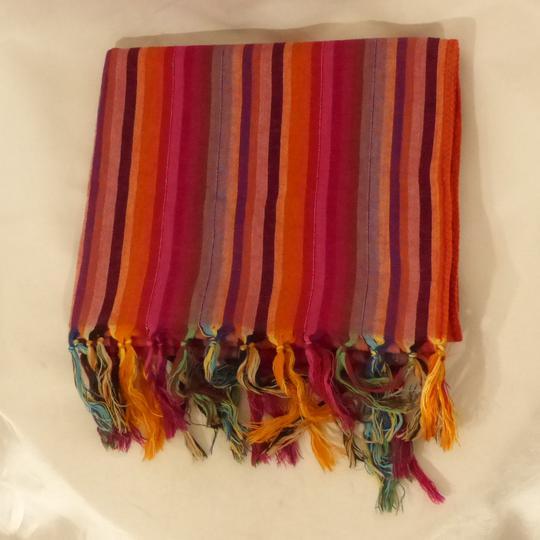 Echarpe multicolore sur Label Emmaüs, boutique en ligne solidaire c255a60043b