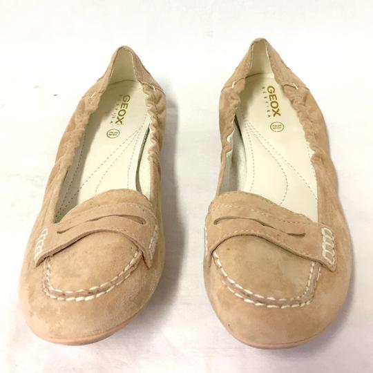 Chaussure Mocassin souple Geox P 38 en cuir façon nubuck beige