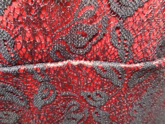 grossiste c9680 27e54 Robe rouge avec dentelle noire - Fashion - taille 46