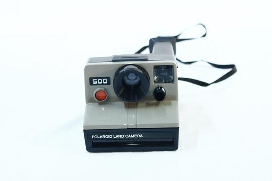 appareil photo polaroid 500 land camera sur label emma s boutique en ligne solidaire. Black Bedroom Furniture Sets. Home Design Ideas