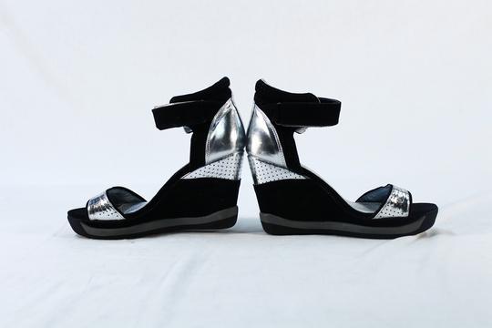 Sandales compensées noires argentées T.40 Closer Chaussea