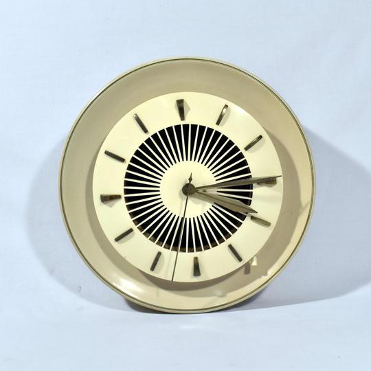 Ancienne Horloge Murale A Haut Parleur - Heco Hennel & Co - Années 50 - Photo 0