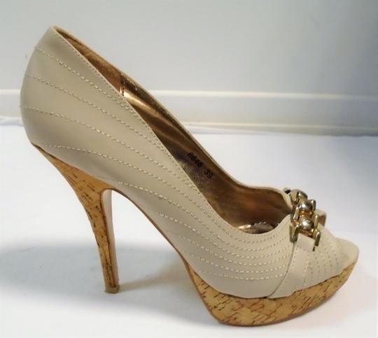 ee0c74dbd8653 Escarpins beige à talon aiguille BELLA WOMEN , pointure 39 sur Label ...