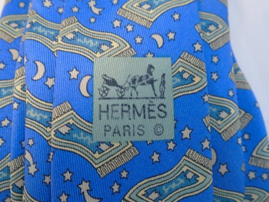 Cravate Hermès en soie sur Label Emmaüs, boutique en ligne solidaire 1d3868fcbf9