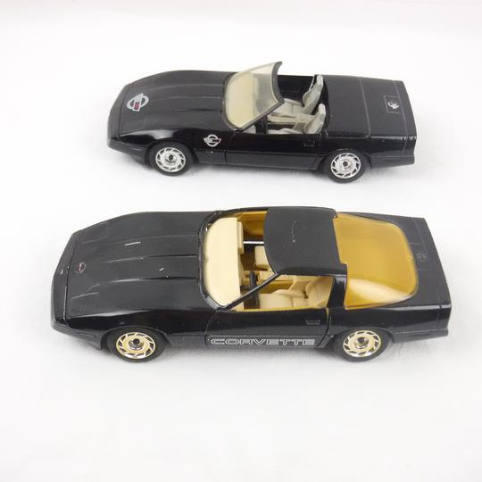 Lot de 2 voitures Majorette 1987 Chevrolet Corvette 1/24 - Photo 1