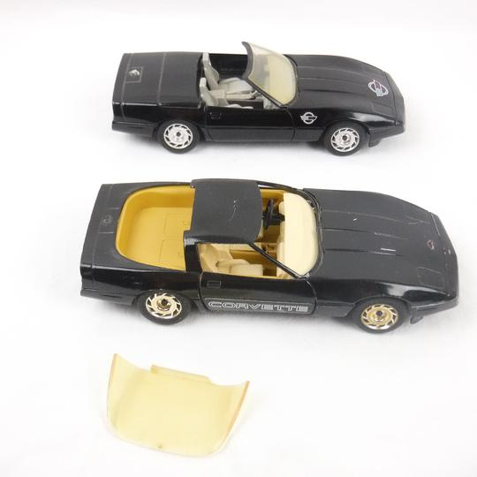 Lot de 2 voitures Majorette 1987 Chevrolet Corvette 1/24 - Photo 3