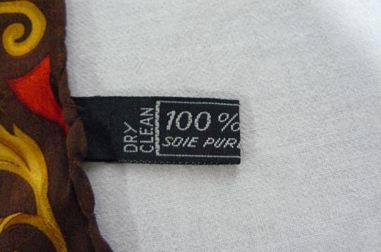 Foulard en soie Céline sur Label Emmaüs, boutique en ligne solidaire dc0955fd5bb