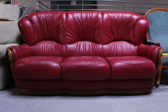 canap en cuir rouge 3 place vintage photo 0 - Emmaus Canape