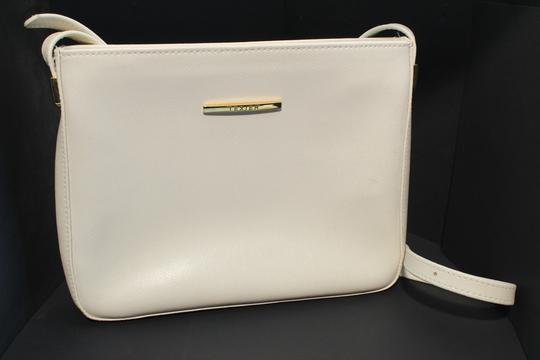 6aae26fab2 Sac à main Texier en cuir blanc sur Label Emmaüs, boutique en ligne ...