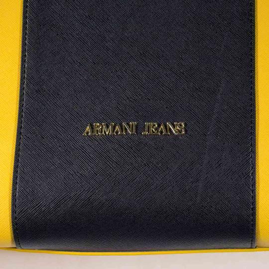 Sac Armani jeans cuir sur Label Emmaüs, boutique en ligne solidaire f0175e1149c