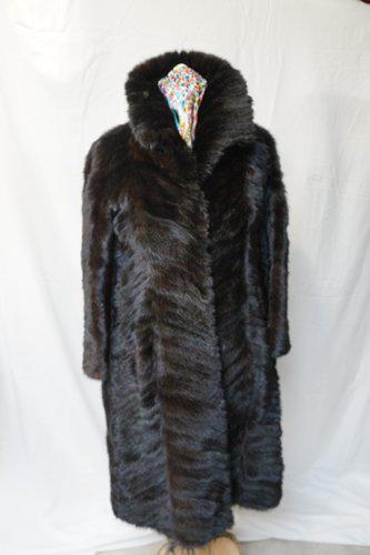 Vison Manteau Queue Sur Fourrure Label En Emmaüs Femme Boutique vzz6Onwx