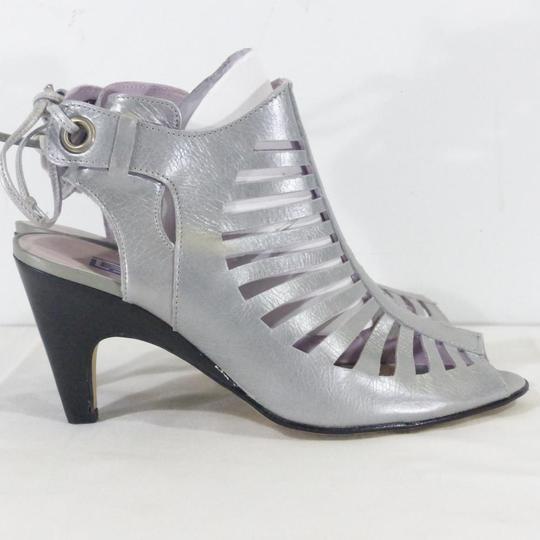 escarpins femme France Mode neufs gris extérieur décolleté   Bout ouvert    Talon noir - Photo ... aecd619bec93