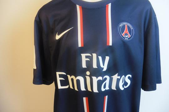 Maillot du PSG Ligue 1, 80 ans, signé par Ibrahimovic - Photo 1